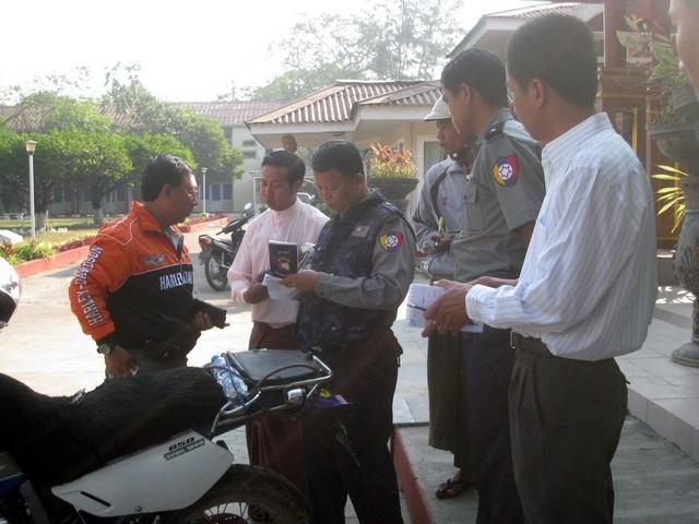 287078=14573-Burma%205i1.