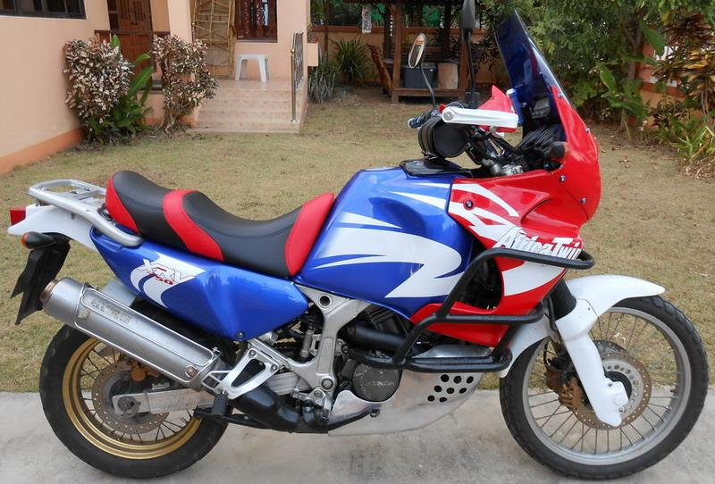 287237=14717-DSCN0456a.jpg /Chiang Mai Handy Motorcycle Related Shops/Northern Thailand - General Discussion Forum/  - Image by: