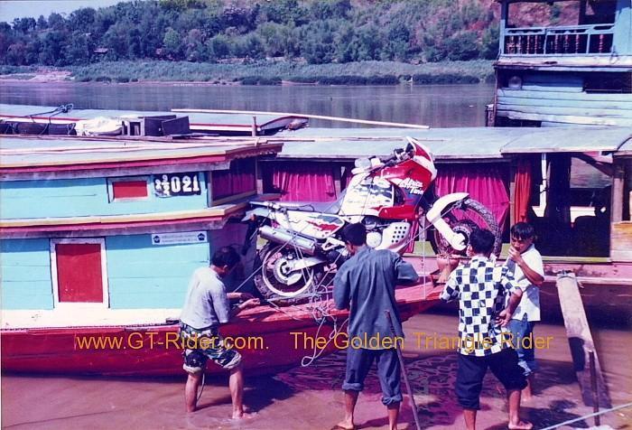 287916=15138-mekongboat2.