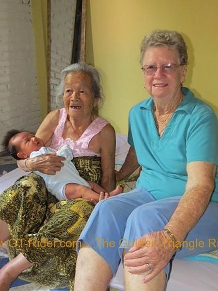 290956=16099-img_1699.jpg /On the road with Mum  my Brother/Touring Northern Thailand - Trip Reports Forum/  - Image by: