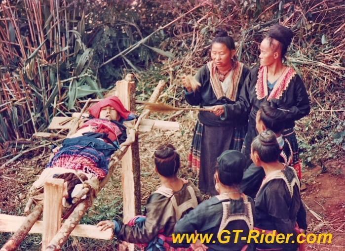 291213=16188-GTR-Hmong-Funeral-NongHoi.
