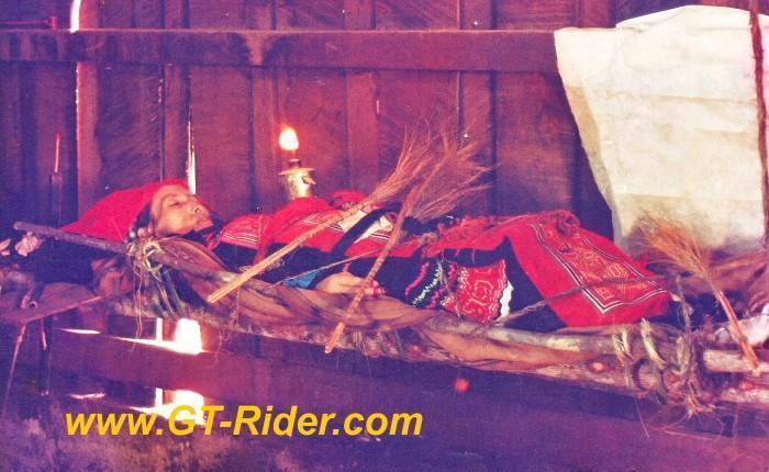 291213=16189-GTR-Hmong-Funeral-NongHoi2.