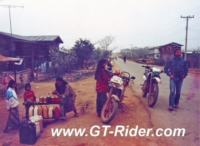 291332=16231-GTR-Laos-Laos_Fuel-95-3B.