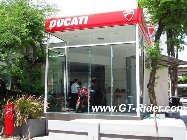 291522=16247-IMG_6261.jpg /Ducati Chiang Mai/Ducati Motorcycles in Thailand/  - Image by: