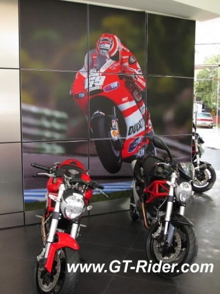 291522=16249-IMG_6263.jpg /Ducati Chiang Mai/Ducati Motorcycles in Thailand/  - Image by: