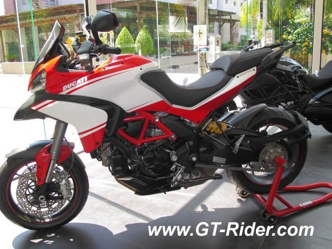 291522=16252-IMG_6274.jpg /Ducati Chiang Mai/Ducati Motorcycles in Thailand/  - Image by:
