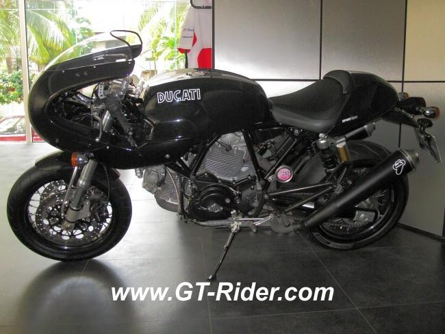 291522=16255-IMG_6275.jpg /Ducati Chiang Mai/Ducati Motorcycles in Thailand/  - Image by: