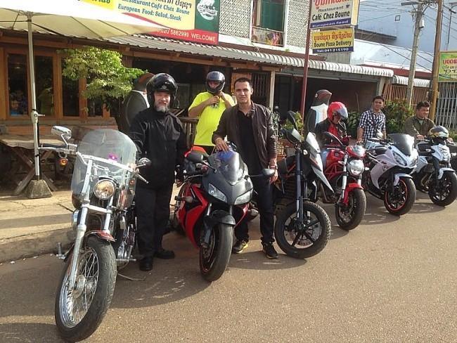 292341=16668-GTR-ChezBoune-Riders.
