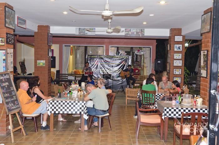 293402=17080-NK7_6530.jpg /Mae Rim Resturants/Restaurants - North Thailand/  - Image by: