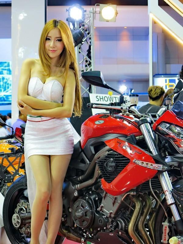 298021=18759-GTR-Benelli-2014-BangkokMotorshow_001.