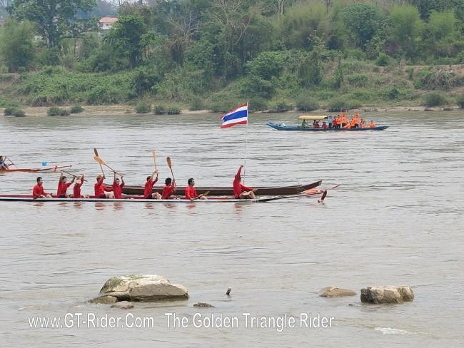 298627=18952-GTR-ChiangKhong-BoatRacing-04.