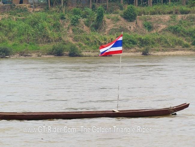 298627=18959-GTR-ChiangKhong-BoatRacing-11.