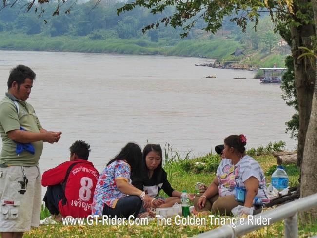 298632=18973-GTR-ChiangKhong-BoatRacing_05.