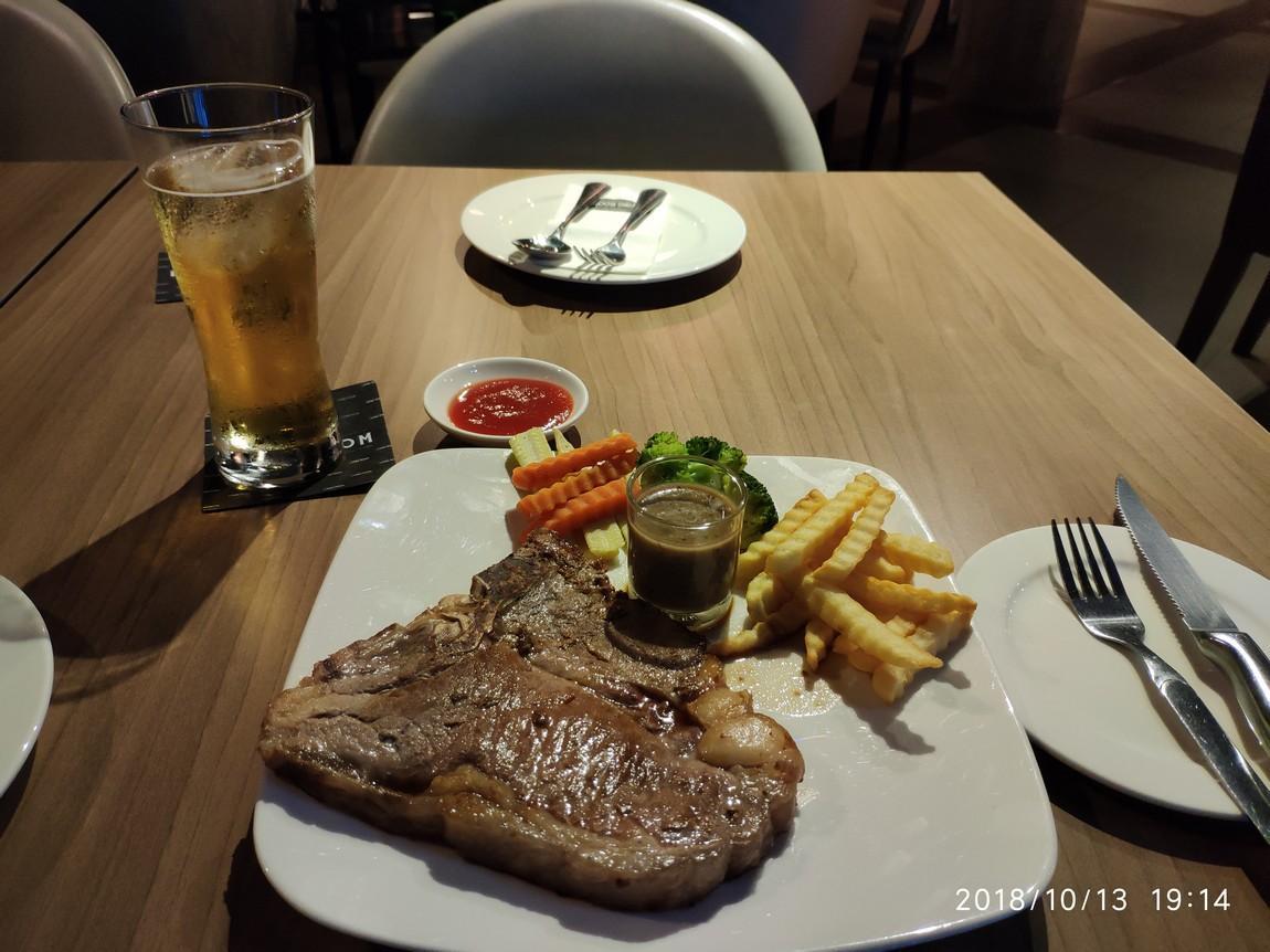 2d-living-room-restaurant-steak-.