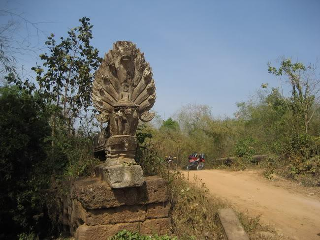30.jpg /our trip of February 2008 (with video's this time)/Cambodia Motorcycle Trip Report Forums/  - Image by: