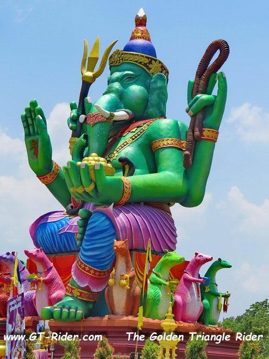 305470=22328-IMG_8234B.jpg /Wat Sang Kaew Phothiyan/Touring Northern Thailand - Trip Reports Forum/  - Image by: