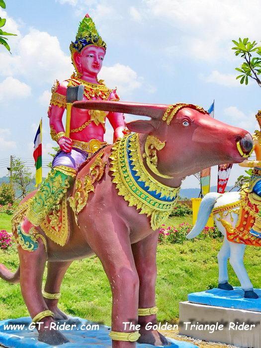 305470=22347-IMG_8239.jpg /Wat Sang Kaew Phothiyan/Touring Northern Thailand - Trip Reports Forum/  - Image by: