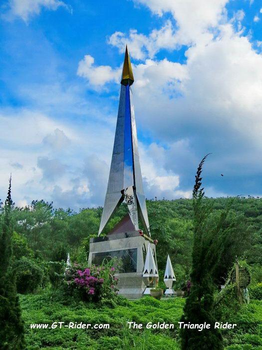 306043=22828-GTR-HuayKwan-Memorial-06.