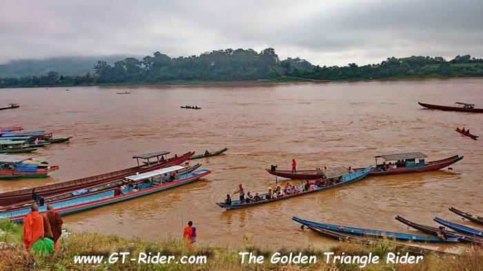 306112=22847-GTR-Laos-BanChambongMarket-01.
