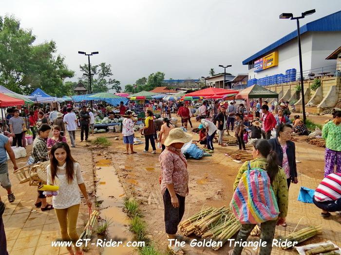 306112=22851-GTR-Laos-BanChambongMarket-04.