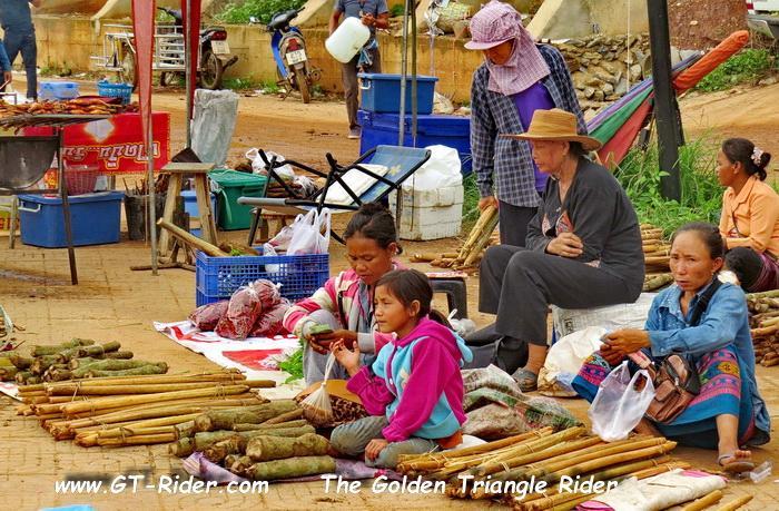 306112=22854-GTR-Laos-BanChambongMarket-09.