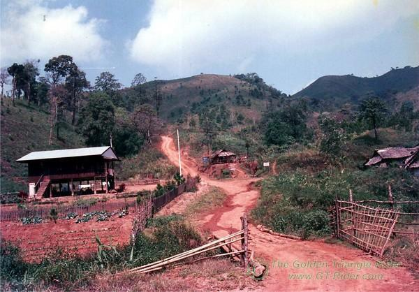 331482084_vXPvo-M.jpg /On the Mae Hong Son Loop/Golden Oldies/  - Image by: