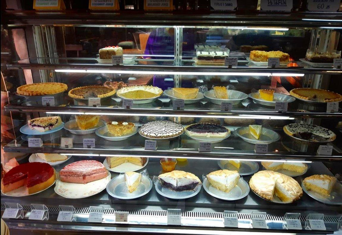4-charin-garden-resort-pies-tarts-cheesecakes.