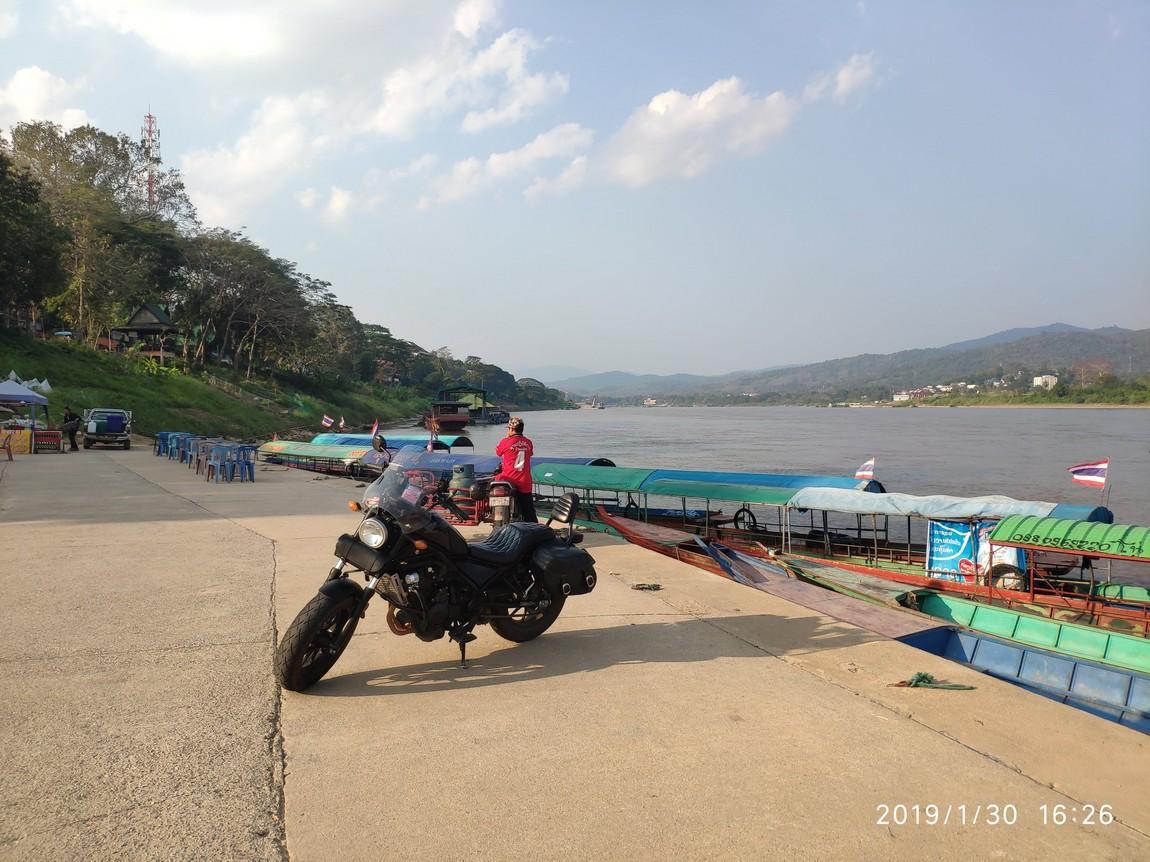 4-pier-chiang-khong (1).