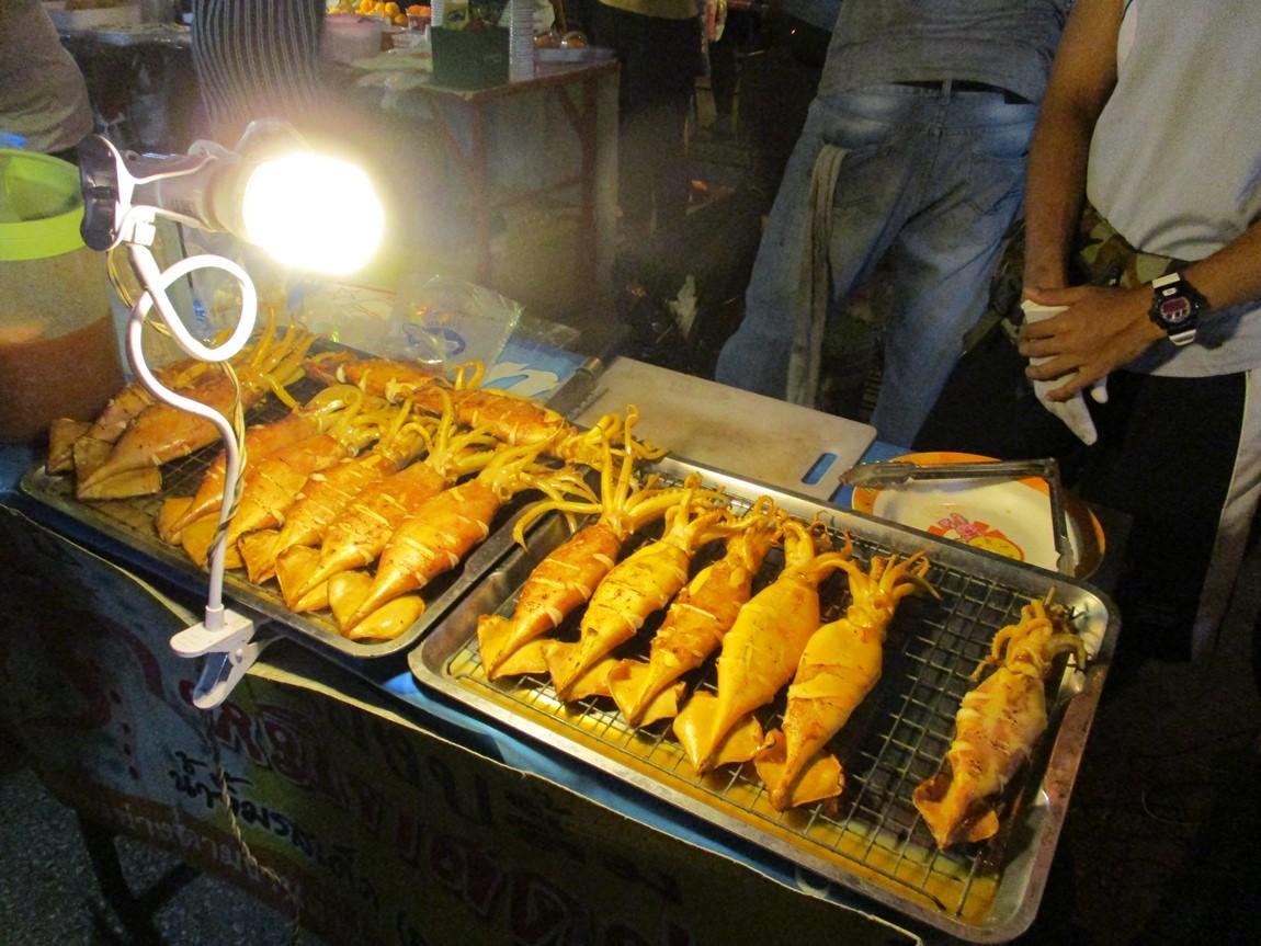 4-street-food-lom-sak-night-market.JPG