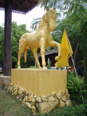 434_G.jpg /The Legend of the Golden Horse Temple/Touring Northern Thailand - Trip Reports Forum/  - Image by: