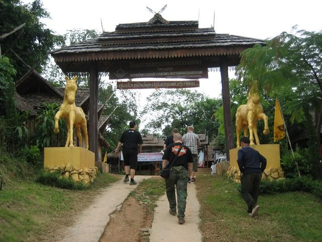 439_G.jpg /The Legend of the Golden Horse Temple/Touring Northern Thailand - Trip Reports Forum/  - Image by: