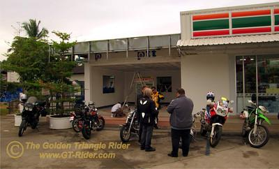 443092344_tbui2-S.jpg /GT Rider Chiang Mai Christmas Ride 2008/Touring Northern Thailand - Trip Reports Forum/  - Image by: