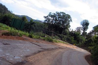 48401857-S.jpg /Road Report: The MHS Loop/Touring Northern Thailand - Trip Reports Forum/  - Image by: