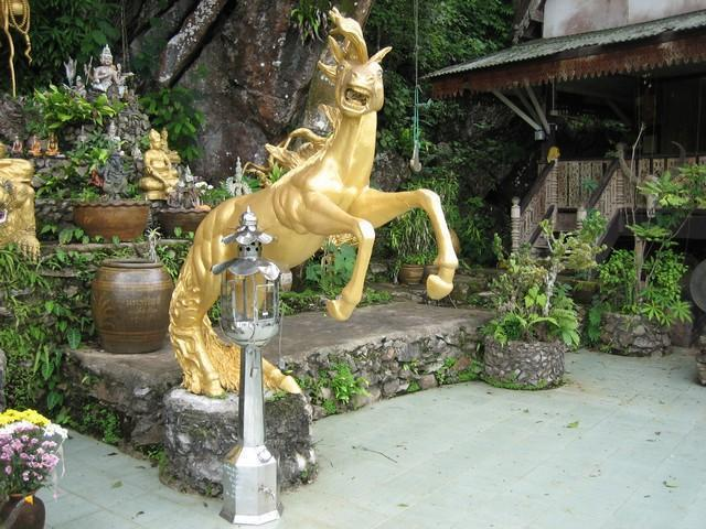 499_G.jpg /The Legend of the Golden Horse Temple/Touring Northern Thailand - Trip Reports Forum/  - Image by: