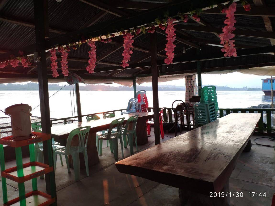 5-mekong-boat-trip (10).