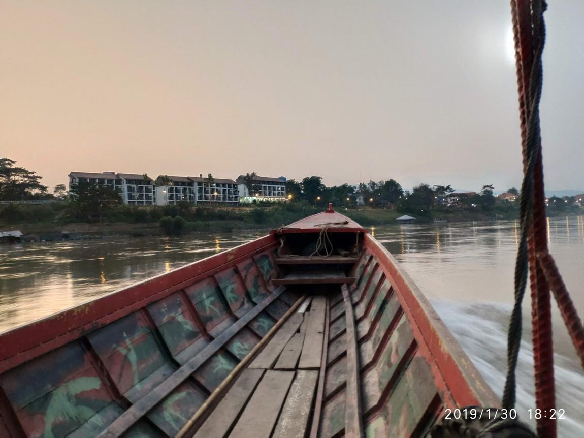 5-mekong-boat-trip (12).