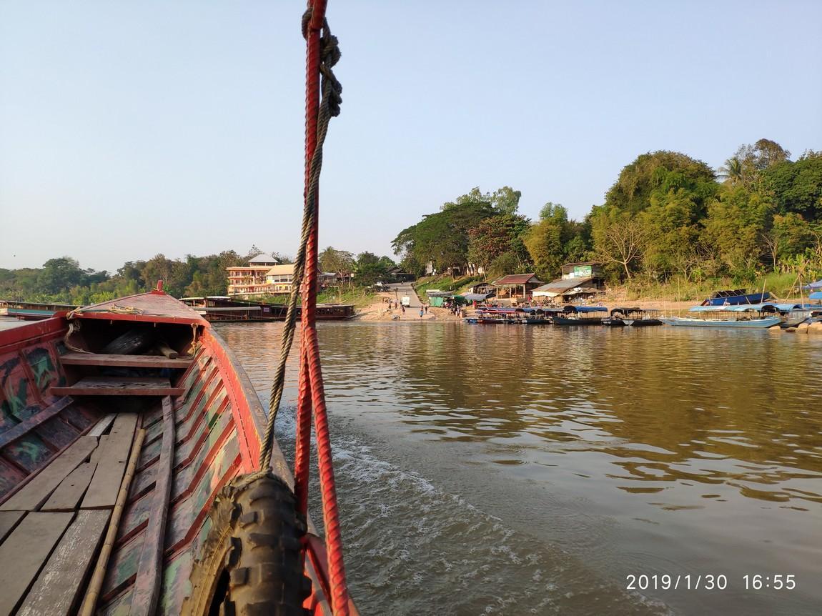 5-mekong-boat-trip (2).