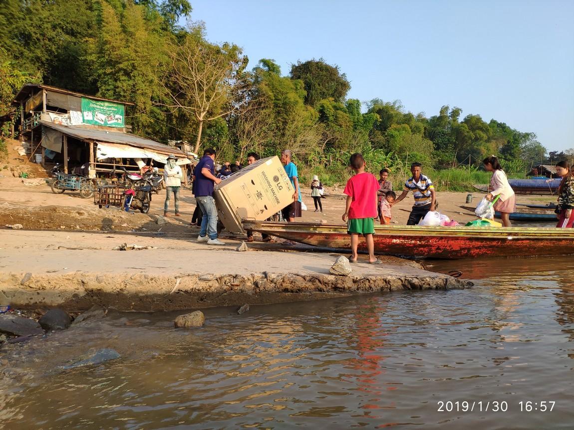 5-mekong-boat-trip (3).