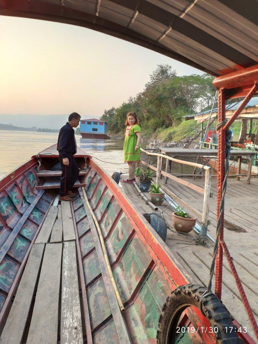 5-mekong-boat-trip (7).