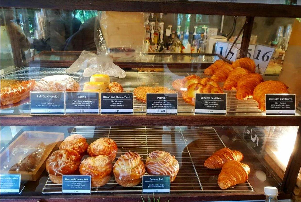 5-pastries-tieng-na-coffee-bakery-tak.
