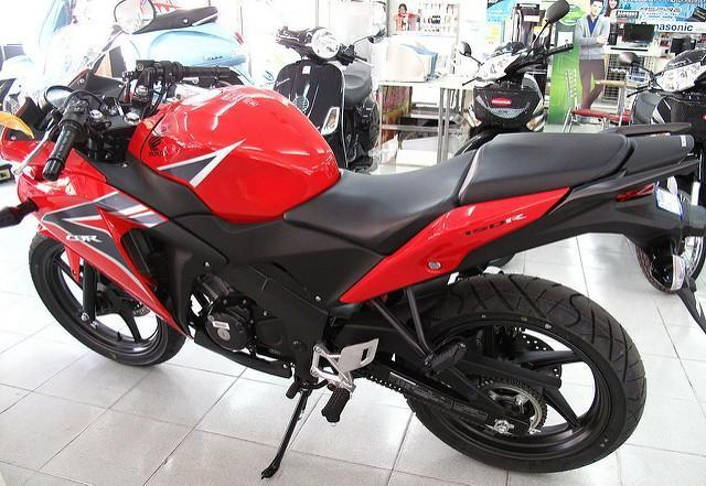 5160982004_5e61b7b95b_z.jpg /New Honda CBR150/250 for 2011/Northern Thailand - General Discussion Forum/  - Image by: