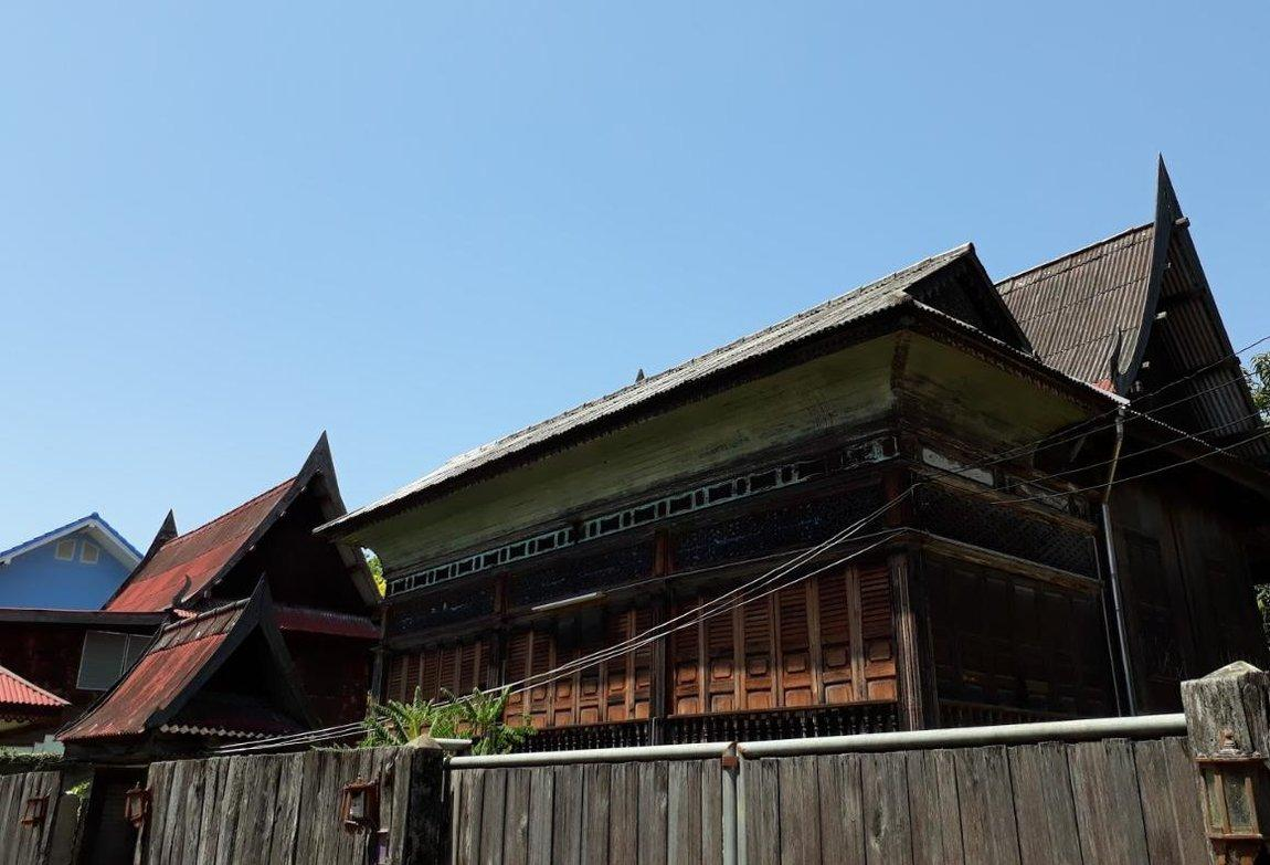 6-old-houses-trok-ban-chin.