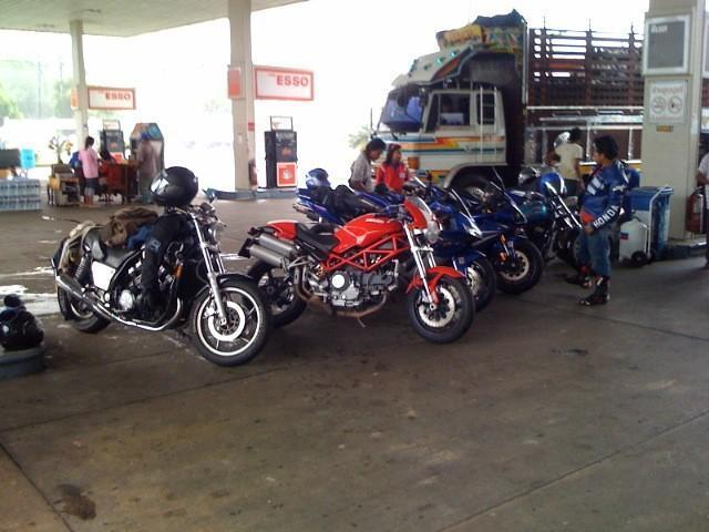 796.jpg /Chumphon Bike Week, via Hua Hin/Central  Thailand Road  Trip Reports/  - Image by: