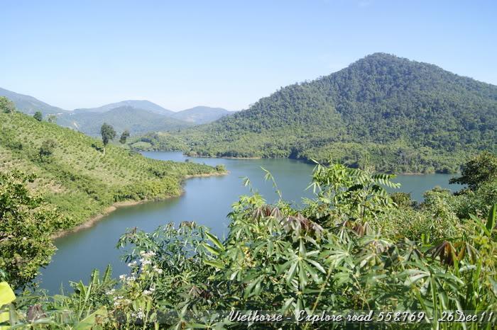 _DSC0382.jpg /::: Vietnam - ACE MTSG - Day trip to explore new roads/Vietnam - Motorcycle Trip Report Forums/  - Image by: