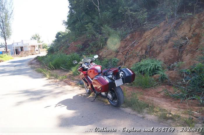 _DSC0396.jpg /::: Vietnam - ACE MTSG - Day trip to explore new roads/Vietnam - Motorcycle Trip Report Forums/  - Image by: