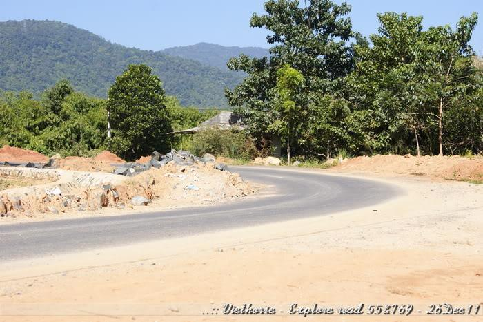 _DSC0420.jpg /::: Vietnam - ACE MTSG - Day trip to explore new roads/Vietnam - Motorcycle Trip Report Forums/  - Image by: