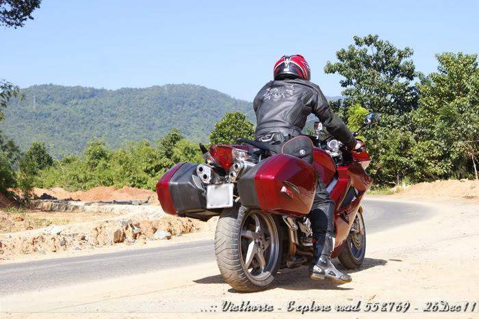 _DSC0421.jpg /::: Vietnam - ACE MTSG - Day trip to explore new roads/Vietnam - Motorcycle Trip Report Forums/  - Image by: