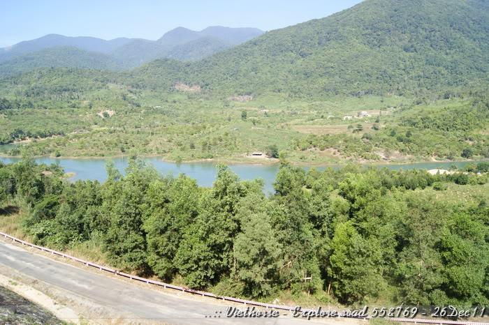 _DSC0431.jpg /::: Vietnam - ACE MTSG - Day trip to explore new roads/Vietnam - Motorcycle Trip Report Forums/  - Image by: