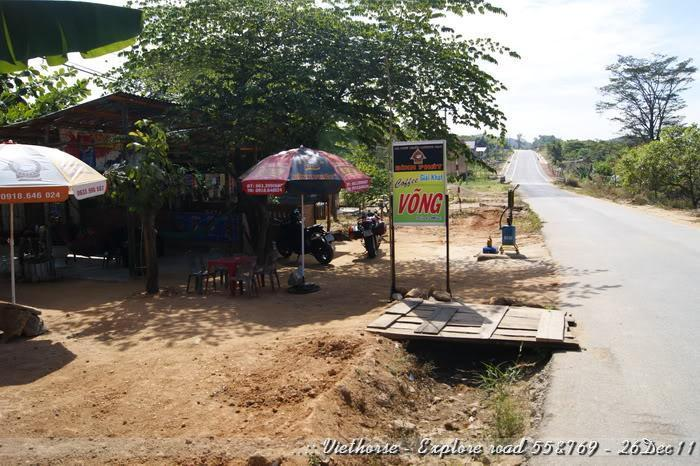 _DSC0453.jpg /::: Vietnam - ACE MTSG - Day trip to explore new roads/Vietnam - Motorcycle Trip Report Forums/  - Image by: