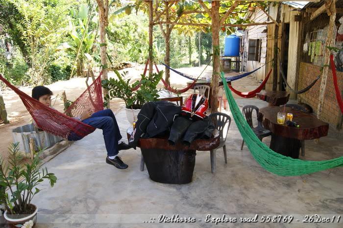 _DSC0461.jpg /::: Vietnam - ACE MTSG - Day trip to explore new roads/Vietnam - Motorcycle Trip Report Forums/  - Image by: